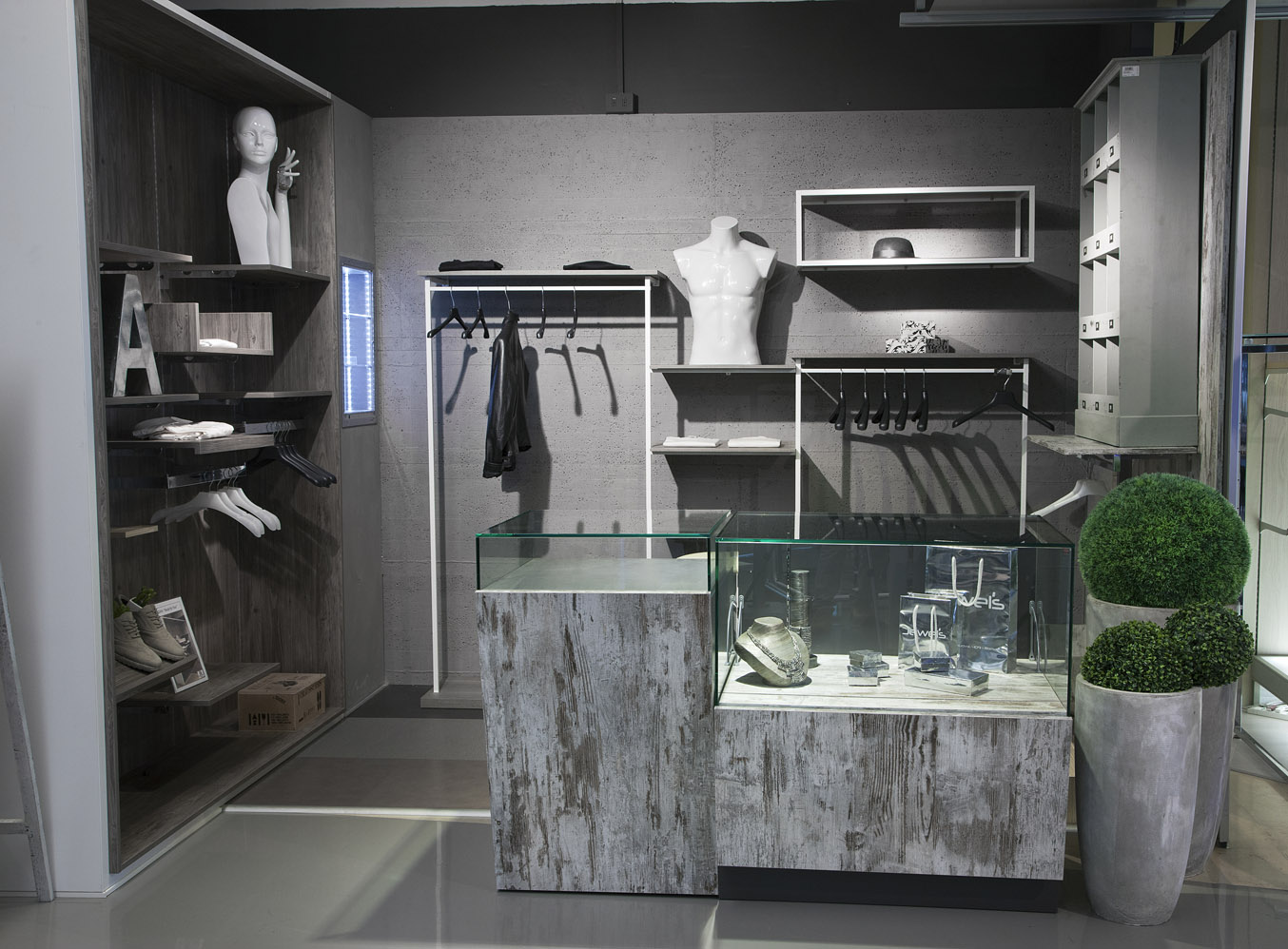 Intersystem group arredo contract commercity ingrosso roma for Arredo group